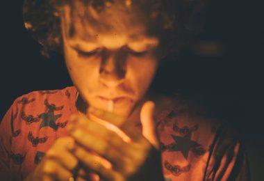 Què em passa si fumo porros?