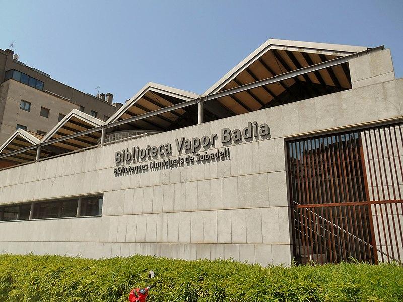 La Biblioteca Vapor Badia posa en marxa un servei de préstec de jocs de taula i de rol